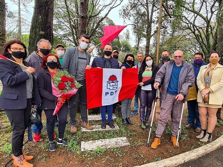 Trabalhistas homenageiam Getúlio Vargas em ritual que se repete há décadas