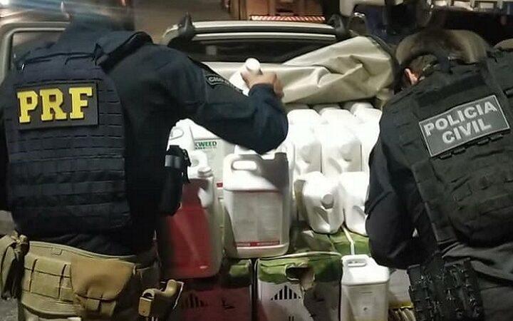 Polícia apreende 500kg de agrotóxicos transportados em automóvel com placas de São Sepé